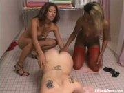 Hot black and white lesbian threesome