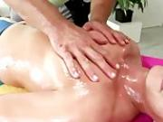 Straighty gets sucked off during hot gay massage