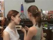 2 hot girls kissing