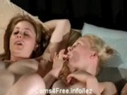 3 Teens Masturbate on Webcam!
