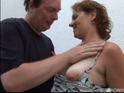 Mature gives good BJ