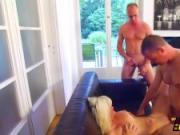 Blonde mieze vernascht