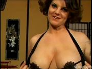 Slutty trailer trash MILF makes lots of friends