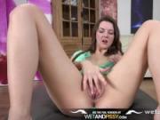 HD Pissing - Brunette Rebeca Kubi pees over the floor after wetting denims