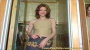 cute amateur girl peeing