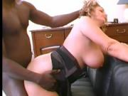 Enormes nichons blonde baisee par_3_blacks.mp4