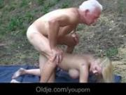 Old hammer fucks nasty young pussy