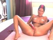 PornMe - Luder besorgt es sich mit Vibrator