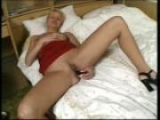Annalee masturbates dreaming of fucking (clip)