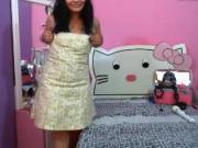 linda chica colombiana se quita el vestido en webcam