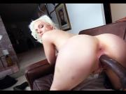Sexy Blonde goes Black