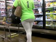 Candid MILF VPL in white leggings