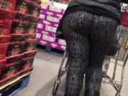 Big booty Milf in spandex