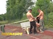Jeune et jolie salope francaise defoncee dans un plan a 3