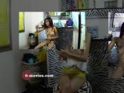 6-movies.com - Young Asia Masturbiert Splitscreen und POV -
