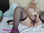 Sally removes her knickers and fucks her pussy