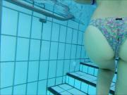 girl with super sexy round butt underwater : makes you cum !