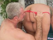 Gorgeous plumper screwed by an old man