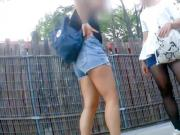 Public Pissing Girl