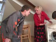 Old mature woman pleases two repairmen