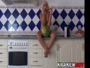 Mature housewife provocation in homemade xxx video
