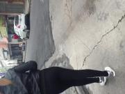 Wachiturra en calzas negras