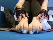 Cute feet display at the gym.
