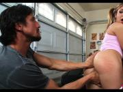Getting Teen Pussy in the garage
