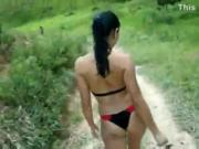 Aninha going to the waterfall