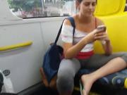 Novinha Sentada