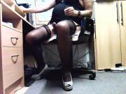 Rosi vor der Webcam beim Wichsen fuer alte Weiber