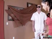 Athletic massage babe cocksucks blind masseur