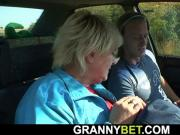 Old granny is getting screwed roadside