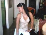 Hermosa nena dominicana bailando merengue!