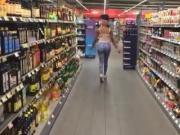 Black Girl fickt sich selber mit einem Eis