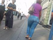 Delucious big butts milfs in tigth jeans 2