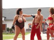 Chubby femdom duo pussyfucked outdoors