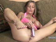 Busty MILF Leeanna Heart does her mature twat with a toy