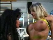 MUSCLE LESBIANS IN THE GYM