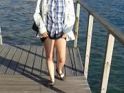 laura paseando sin bragas