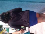 Gordibuena en vestido azul