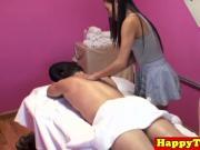 Oriental masseuse facesitting in ffm massage