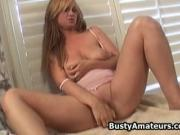 Busty amateur Violet loves masturbating her pussy with vibra