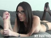 I want you to jerk off to me in my pantyhose JOI