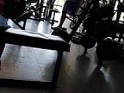 Super culo y super tetas en el gym