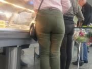 Pawg In Green Jeans.