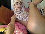 Arab Girl Masturbating on Cam