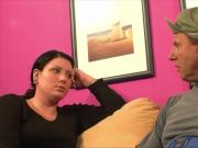Perverser Stiefbruder fickt die Schwester