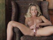 Isabelle Deltore Seduces You As She Moves Her Body