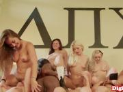 Sorority babes queening in oral orgy